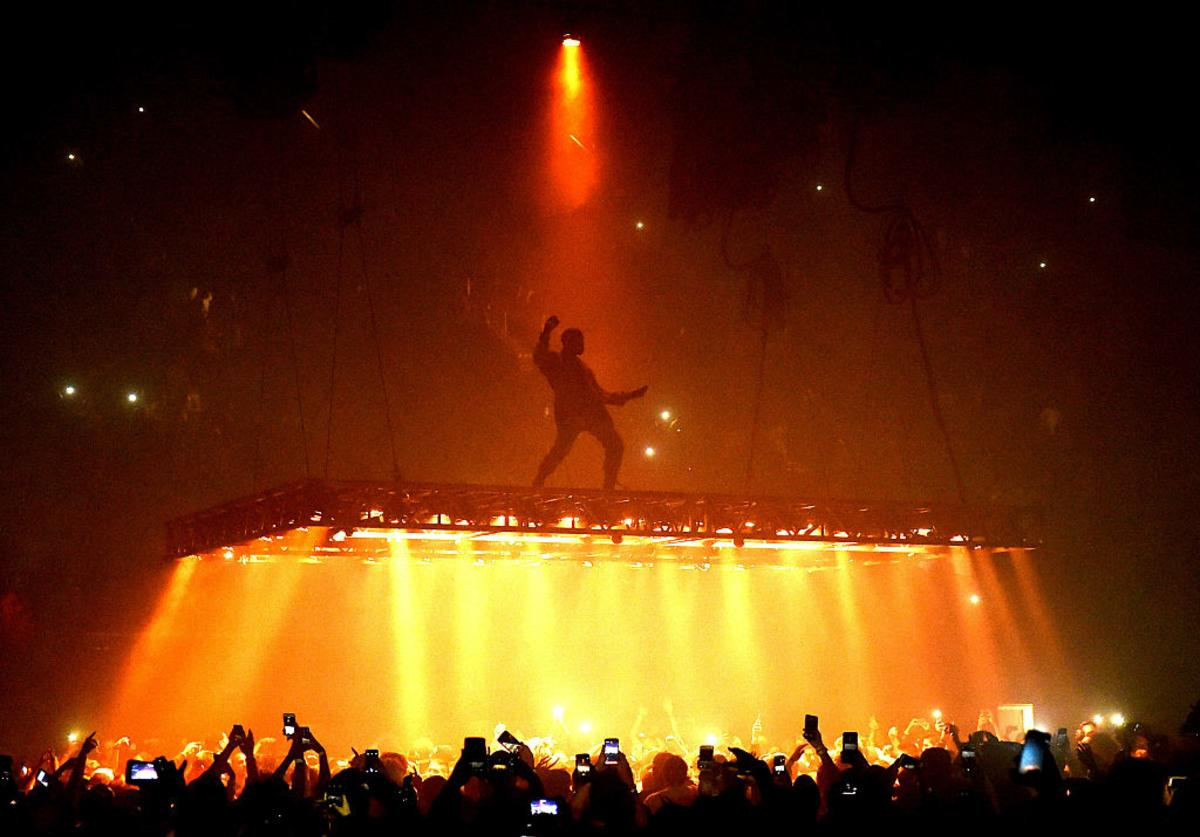 Kanye West performs at the Forum on October 25, 2016 in Inglewood, California.