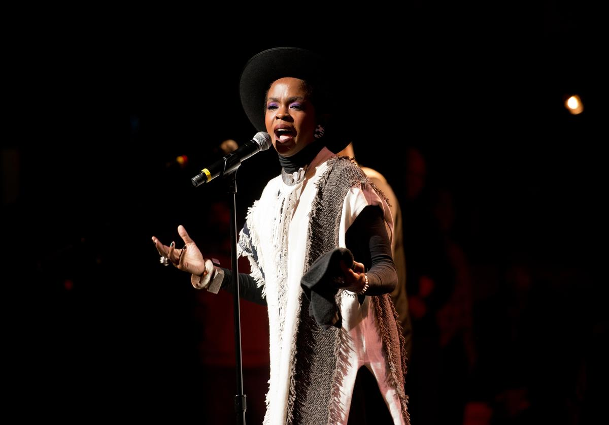 Lauryn Hill performing at The Wailers' 30th anniversary concert.
