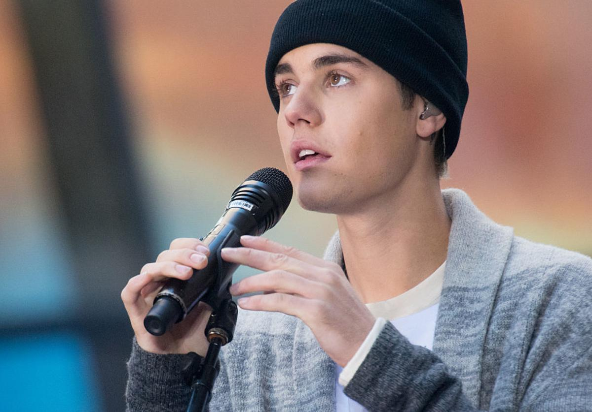 Justin Bieber performs on NBC's 'Today' at NBC's TODAY Show on November 18, 2015 in New York.