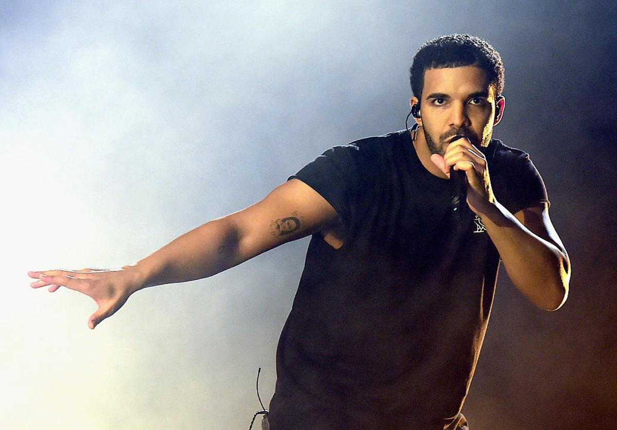 Drake performs onstage during day 3 of the 2015 Coachella Valley Music & Arts Festival (Weekend 1) at the Empire Polo Club on April 12, 2015 in Indio, California.