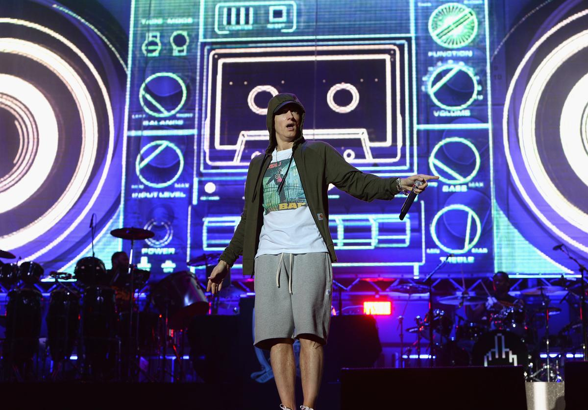 eminem performs at lollapalooza 2014
