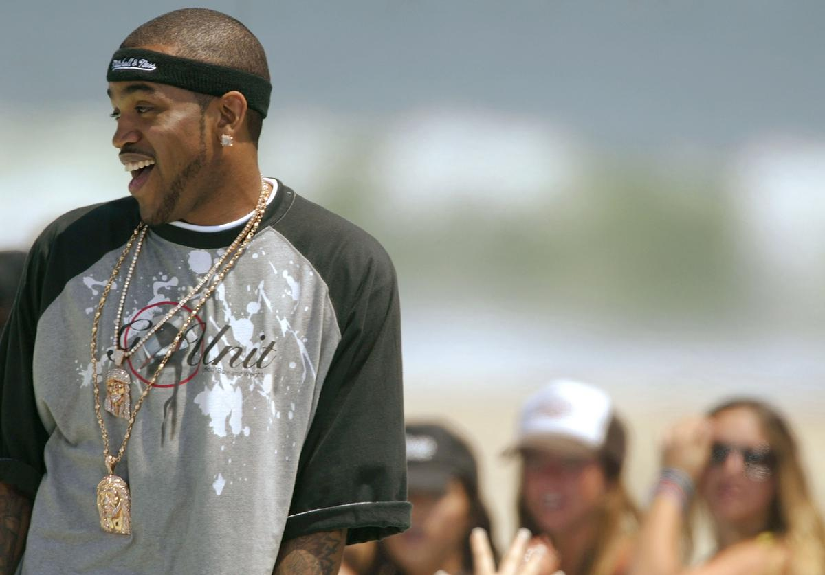 Rapper Lloyd Banks performs at the MTV's 'TRL Beach House: Summer on the Run' on June 3, 2004 in Long Beach, California.
