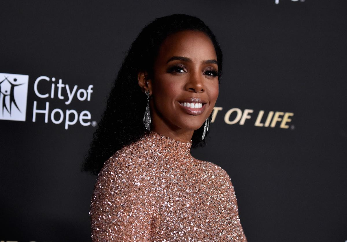 Kelly Rowland attends the City of Hope Spirit of Life Gala 2018 at Barker Hangar on October 11, 2018 in Santa Monica, California