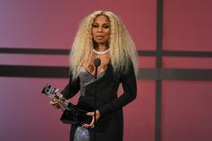 Mary J. Blige Accepts BET Lifetime Achievement Award; Performs With Lil Kim & Method Man