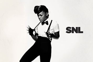 "Janelle Monáe Performs ""Electric Lady"" Live On SNL"