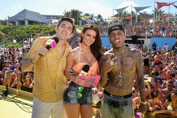 "Kid Ink Performs ""Show Me"" At MTV Spring Break"