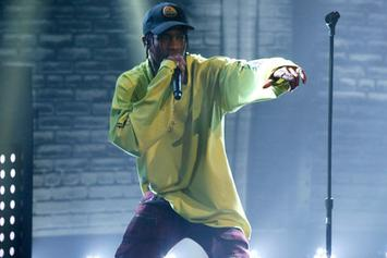 """Travi$ Scott Performs """"Antidote/Pray For Love"""" On Late Night With Seth Myers"""