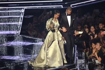 Drake Posts Coupley Pic With Rihanna To Prove He Didn't Get Curved