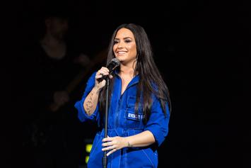 """Demi Lovato Shares Cellulite, No Thigh-Gap Photos: """"Let's Embrace Our Real Selves"""""""