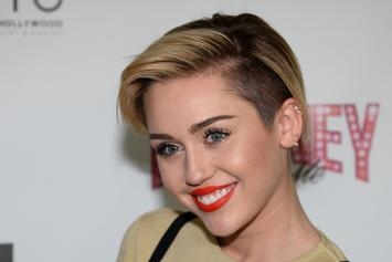 "Miley Cyrus Announces 2014 ""Bangerz"" Tour Live On SNL"