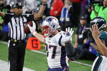 "Rob Gronkowski Says He's Back, Feeling ""Super, Super Pliable"""