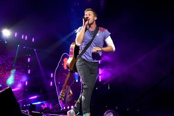 "Coldplay's Chris Martin Performs ""Hotline Bling"" By Drake At Charity Show"