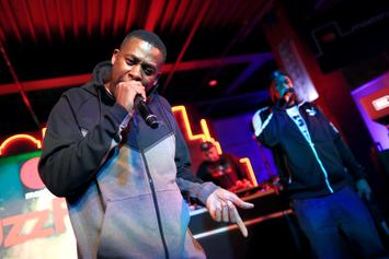 GZA Plays A Game Of Chess While Rapping During Live Performance