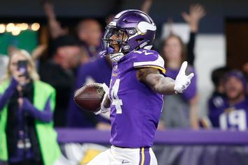 Vikings' Stefon Diggs Purchases $15,000 Starbucks Chain