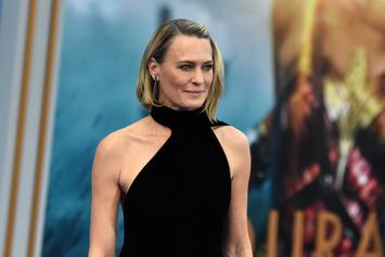 "Robin Wright Claims ""House Of Cards"" Finale Will ""Shock The S**t Out Of You"""