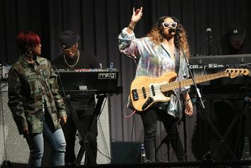 """H.E.R. Perfectly Performs """"Carried Away"""" At The Colors Studio"""