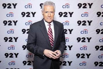 "Alex Trebek Cried Through Excruciating Pain From Cancer Diagnosis On ""Jeopardy!"" Set"