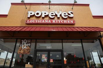 Man Pulls Gun Out On Popeyes Employee After Chicken Sandwich Sells Out