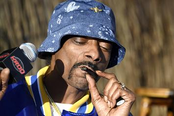 """Snoop Dogg Praises His Blunt Roller: """"Motherf**ker Is Like Lurch From Addams Family"""""""