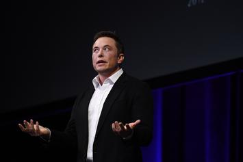 Elon Musk Issues Apology For Smoking Weed With Joe Rogan