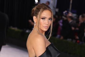 Jennifer Lopez & Her Abs Hit The Gym Days Before Super Bowl Halftime Performance
