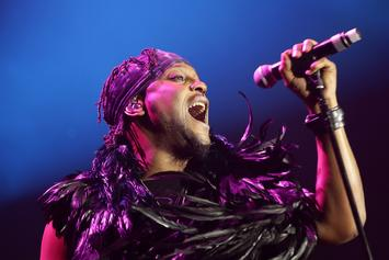 """D'Angelo Brings Out Method Man, Redman & More During """"Verzuz"""" Appearance"""
