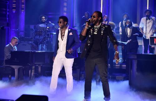 Gucci and 2 Chainz on stage
