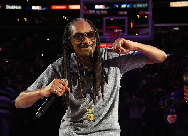 Snoop Dogg busts down at BIG3