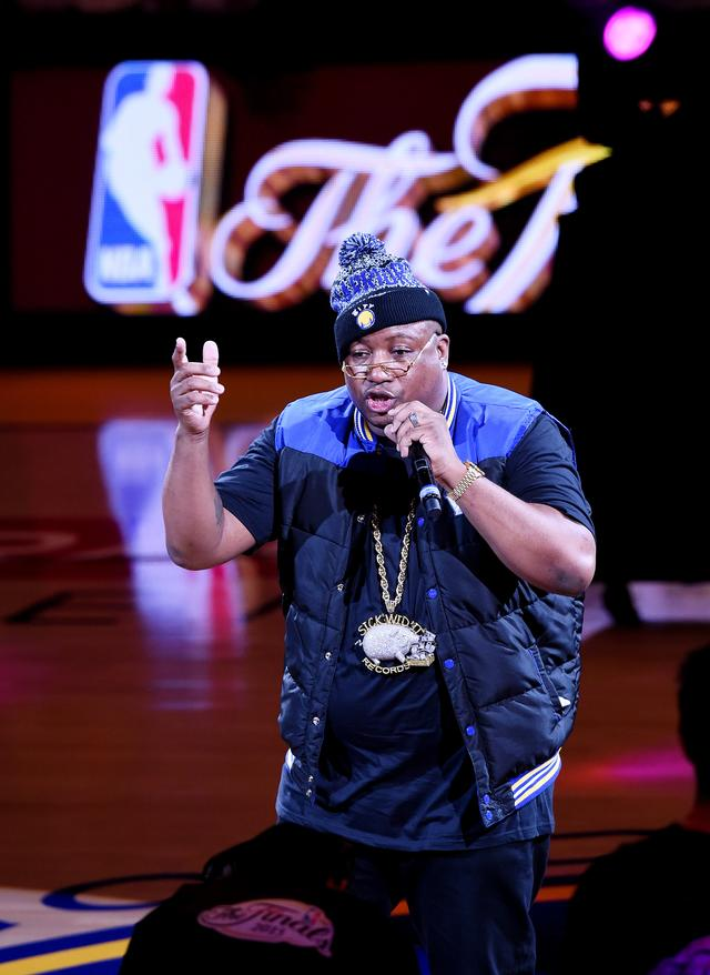E-40 performing during halftime in Game One of the 2015 NBA Finals