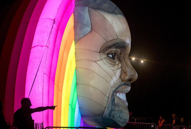 Kanye West...In Float Form