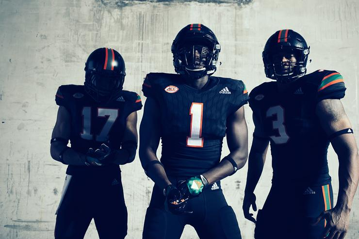 UM alternate uniform